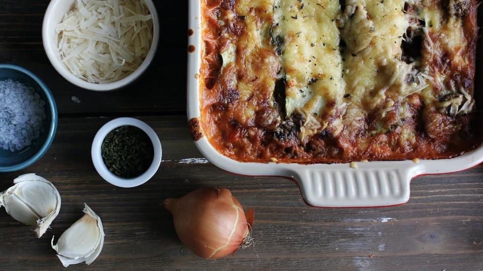 Zelf spinazie lasagne met geitenkaas maken