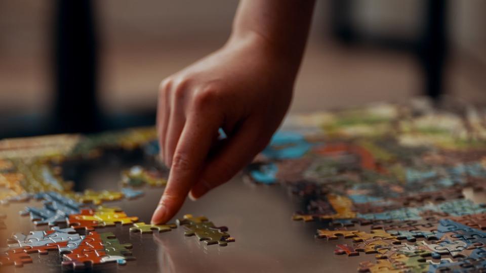 Waarom puzzelen goed voor je is. Zeker nu!